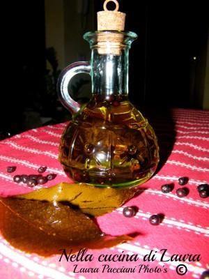 olio_aromatizzato_ginepro_alloro_cucinalaura