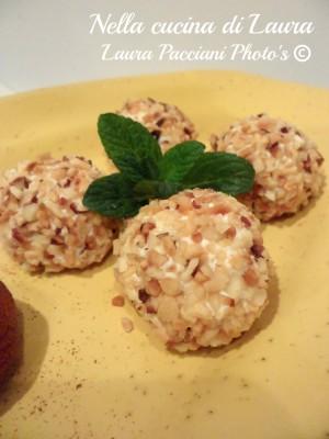 palline_ricotta_parmigiano_aromatiche_cucinalaura