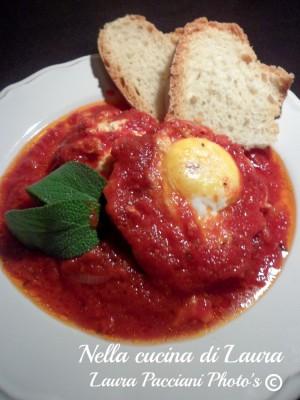 uova al pomodoro _ nella cucina di laura