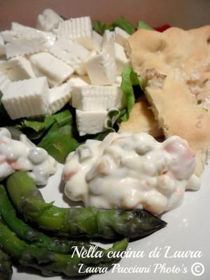primo sale con asparagi e insalata russa - nella cucina di laura