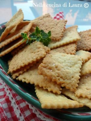 crackers con scarto del lievito madre - nella cucina di laura