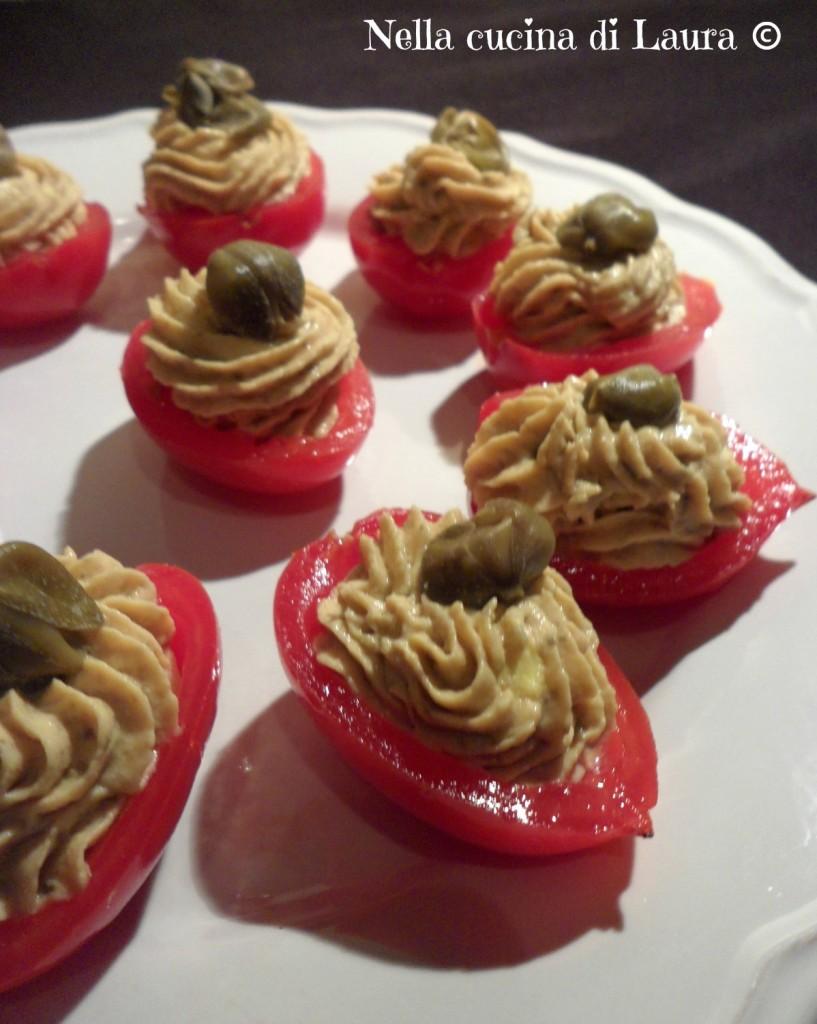 pomodorini ripieni con mousse di tonno e uovo - nella cucina di laura