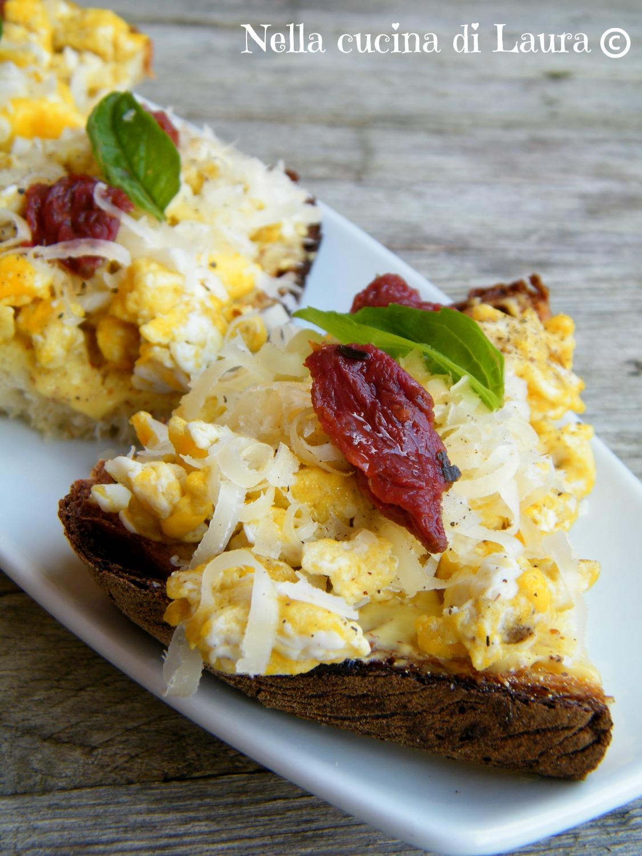 crostoni con uova - nella cucina di laura