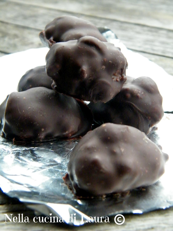 cioccolatini di panettone con nocciole - nella cucina di laura