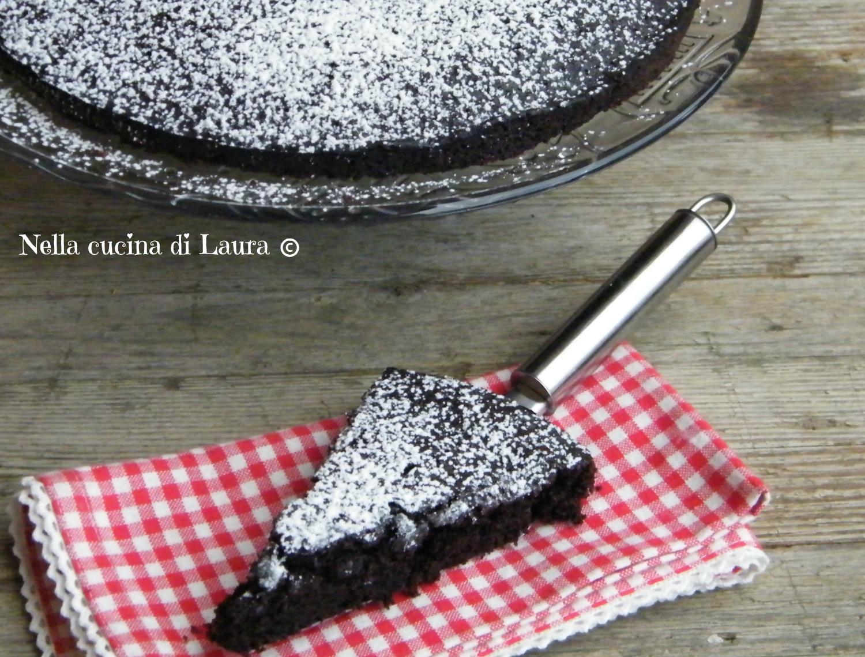 crazy cake - torta matta al cacao - nella cucina di laura