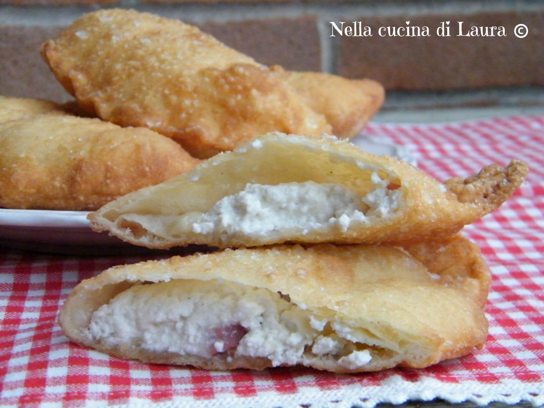 calzoni fritti con ricotta e salame - nella cucina di laura