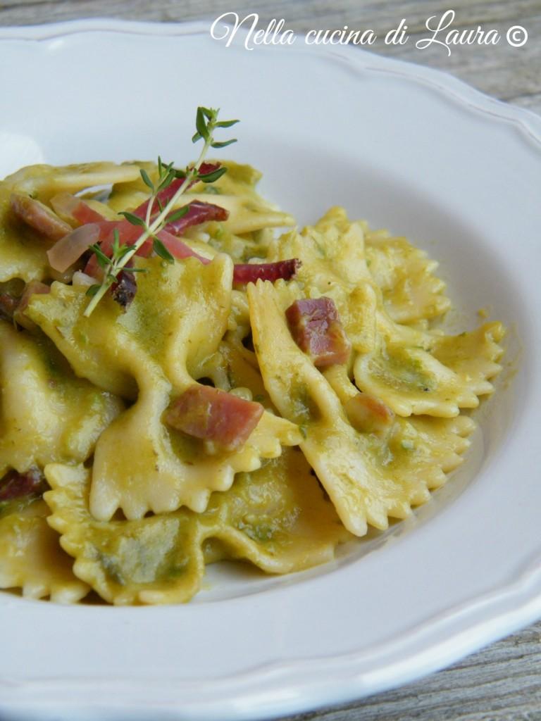 farfalle risottate con crema di asparagi e speck - nella cucina di laura