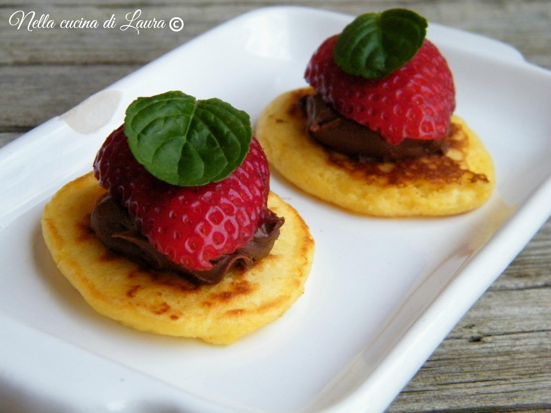 blinis con nutella e fragole - nella cucina di laura