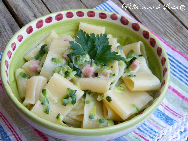 calamarata con zucchine e taleggio - nella cucina di laura