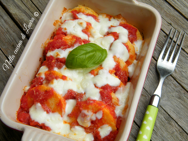 gnocchi alla romana con pomodoro e mozzarella - nella cucina di laura