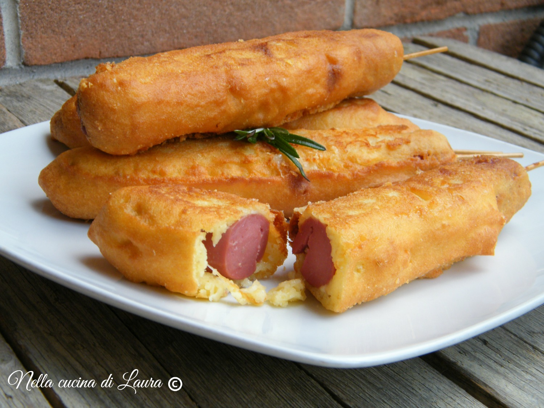 hot dog on a stick - wurstel fritti - nella cucina di laura