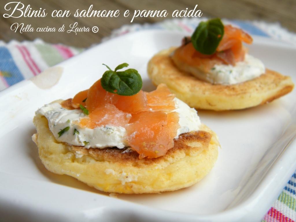 blinis con salmone e panna acida - nella cucina di laura