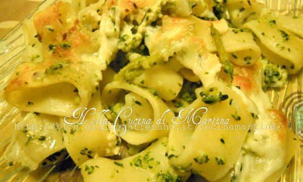 Pasta calamarata al forno con cavoli e broccoli, ricetta vegetariana