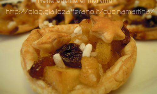 Tortine di sfoglia con le mele, idea ricetta per la festa della mamma