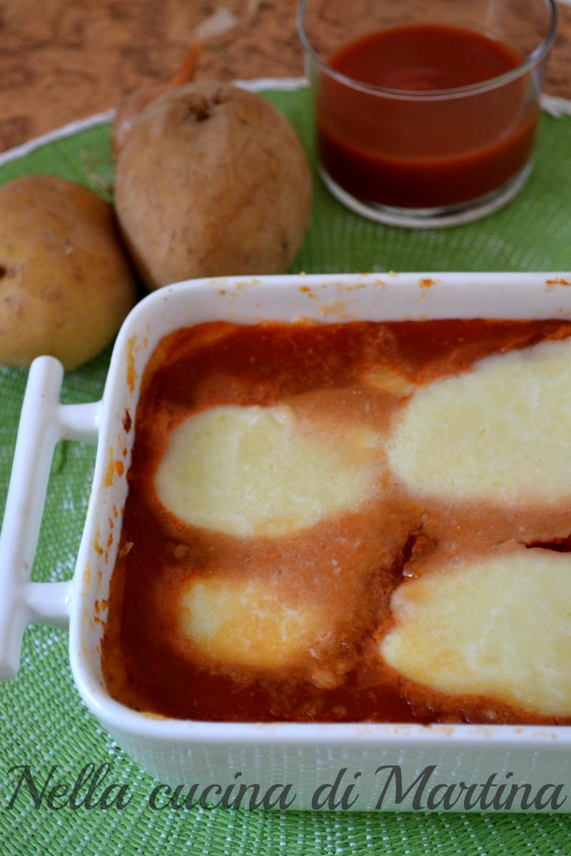 gateau di patate al pomodoro ricetta vegetariana nella cucina di martina