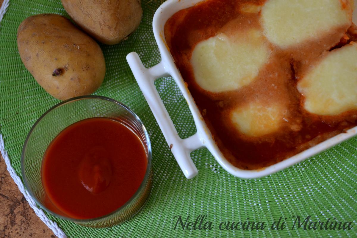 gateau di patate al pomodoro, ricetta vegetariana nella cucina di martina