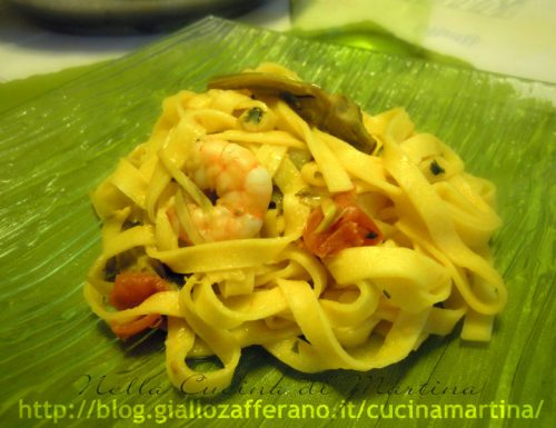 tagliatelle con gamberetti, carciofi e pomodorini datterino, ricetta veloce