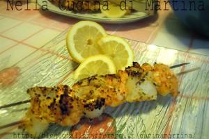 spiedini di pesce, ricetta di mare al barbecue