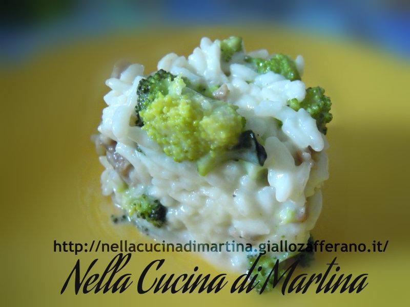 risotto con salsiccia e broccoletti ricetta gustosa nella cucina di martina