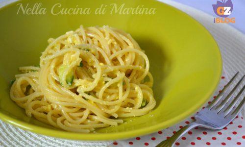 Spaghetti con zucchine effetto mimosa