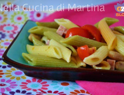 Insalata di pasta con fagioli e prosciutto cotto