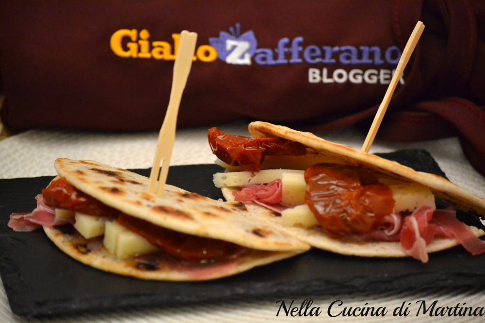 mini piadine finger food