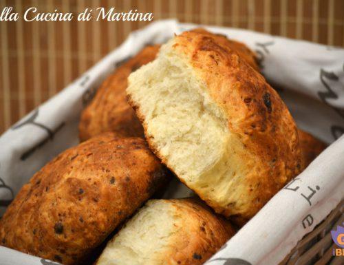 Pane con pecorino e miele