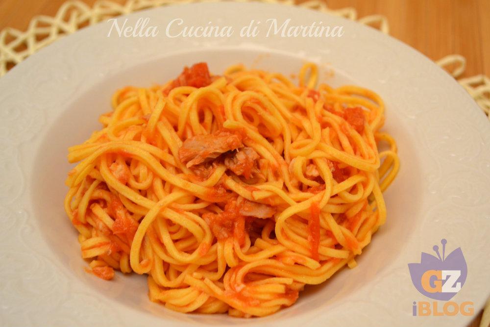 spaghetti alla chitarra con pesce ricetta