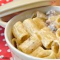 Pasta con ricotta e salsiccia ricetta nella cucina di Martina