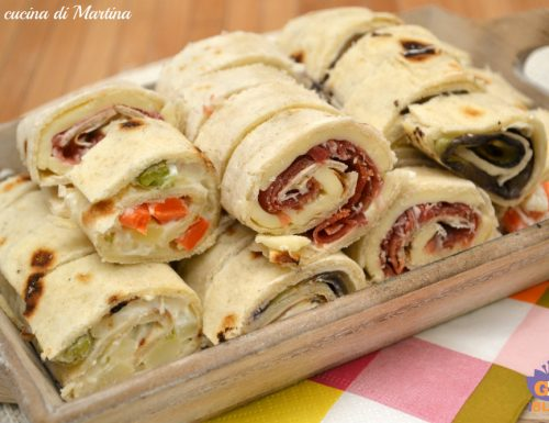 Girelle di piadina finger food