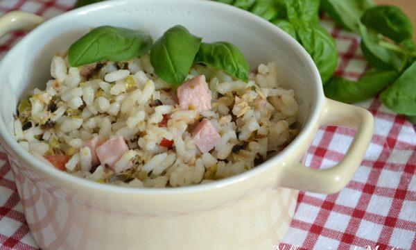Insalata di riso al pesto mediterraneo