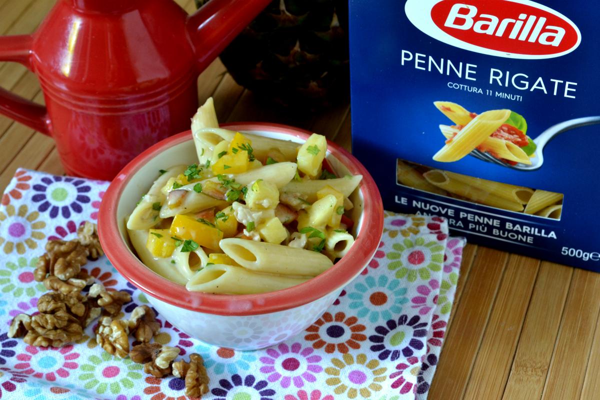 penne rigate con peperoni e ananas 1