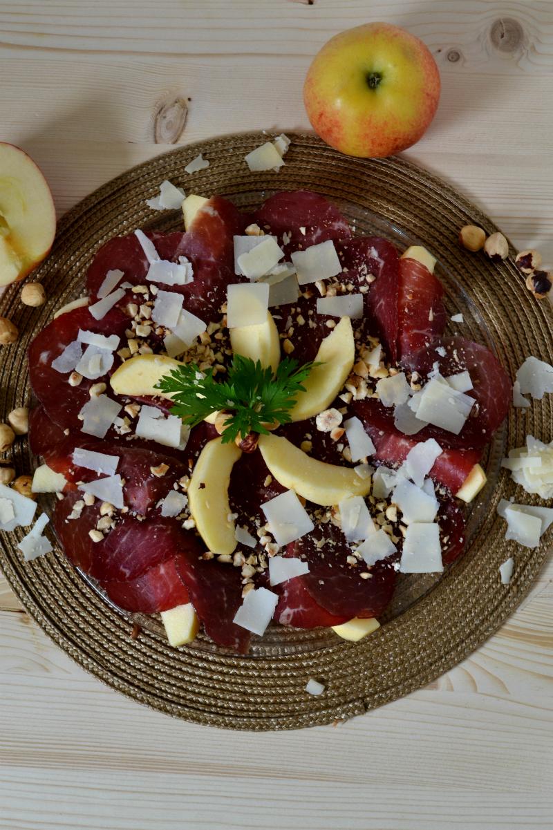 bresaola mele e nocciole ricetta nella cucina di martina