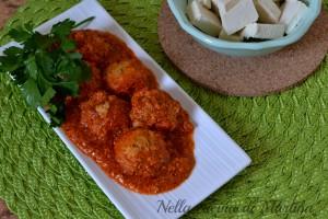 Polpettine di tofu e erbe aromatiche con salsa al pomodoro