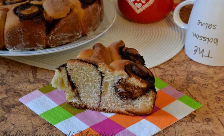 Torta di rose alla Nutella, con pasta lievitata