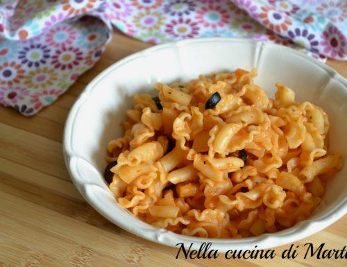 Pasta con finocchi e olive