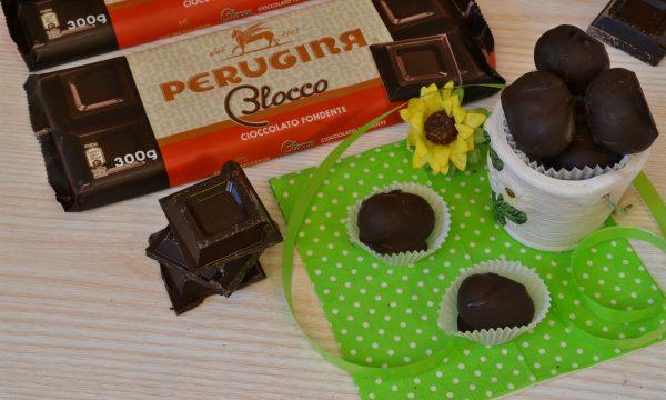 Ovetti di cocco e cioccolato