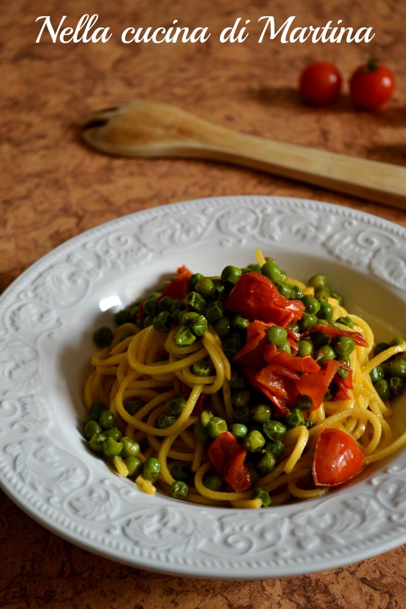 pasta con piselli e pomodorini ricetta nella cucina di Martina