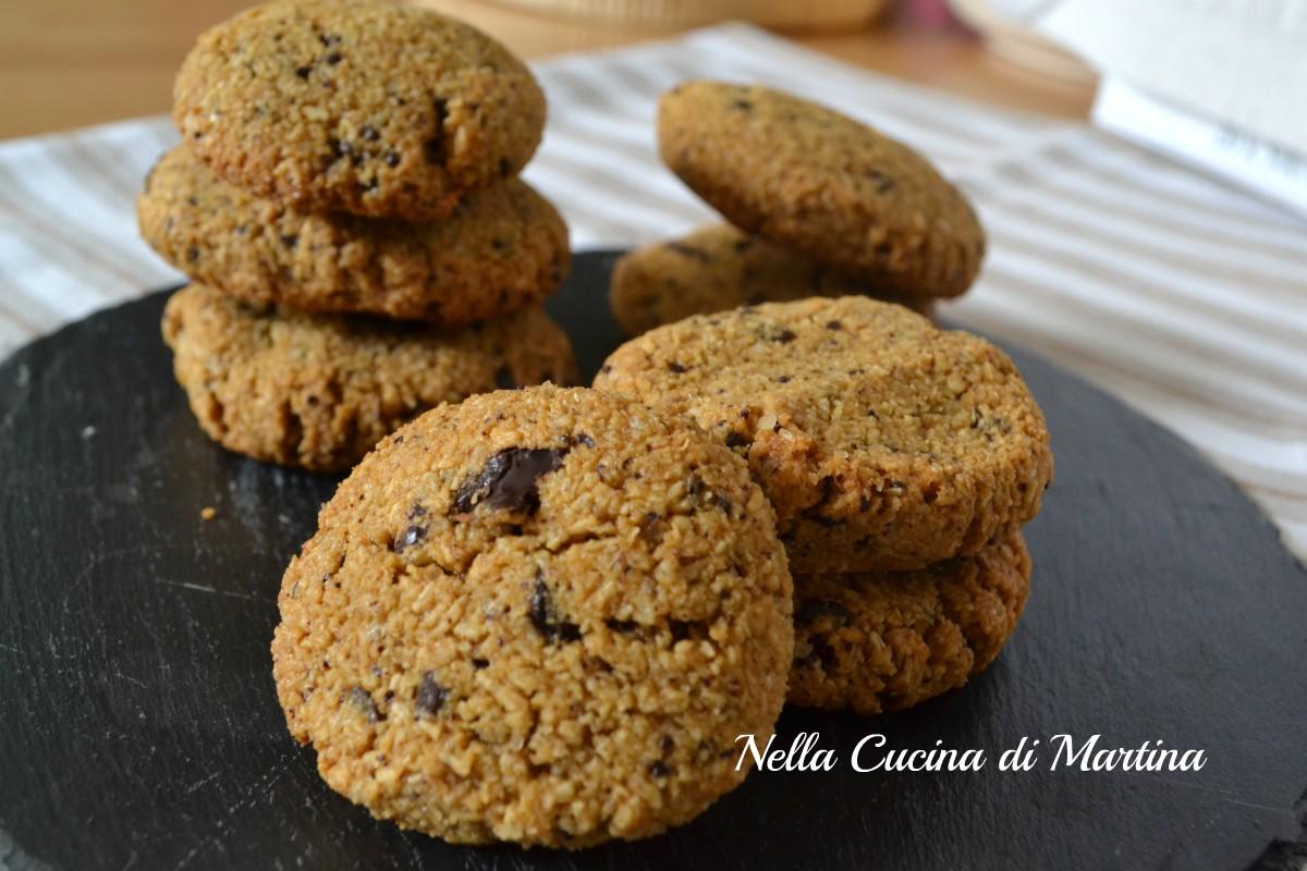 biscotti alle mandorle e cioccolato fondende