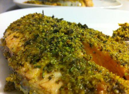 Tranci di salmone in crosta di pistacchi