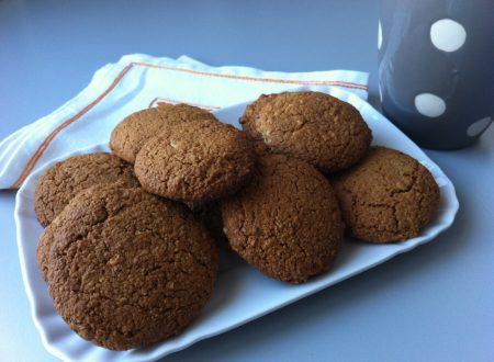 Biscotti alle nocciole con farina d'avena