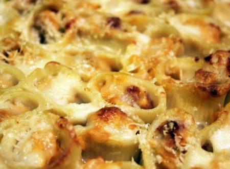 Pasta al forno con zucca, salsiccia e taleggio