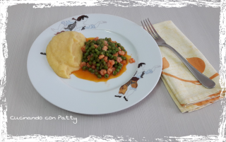 Gamberetti e pisellini con polenta