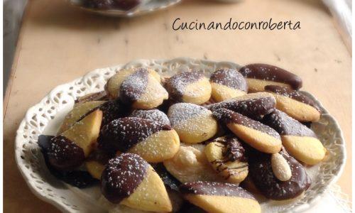 Biscotti di frolla ai cereali e cioccolato
