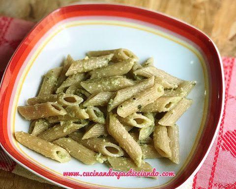 Pennette integrali con pesto di zucchine