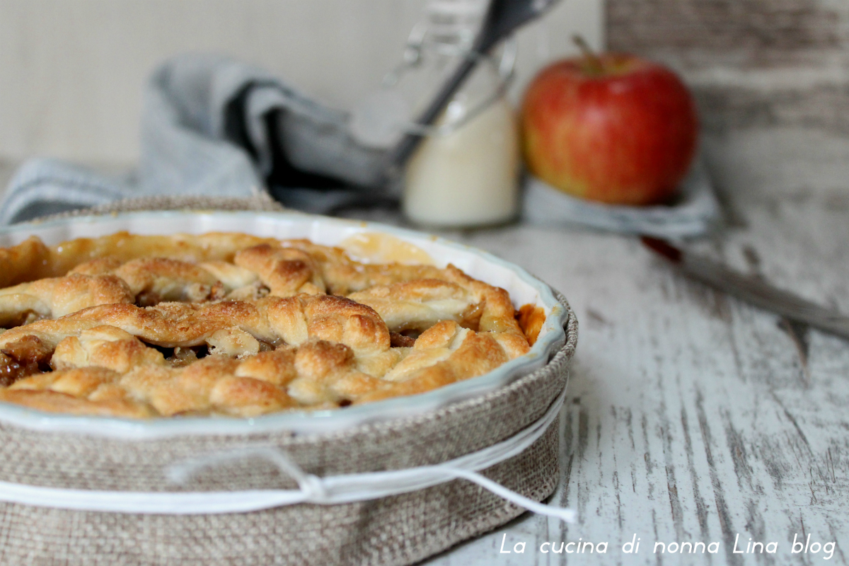 Crostata mele e noci, ricetta facile e sfiziosa.