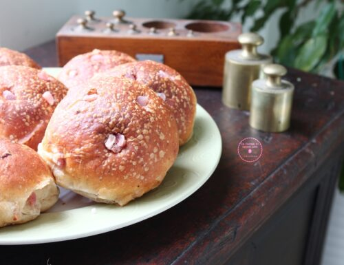 Panini con pecorino e pancetta