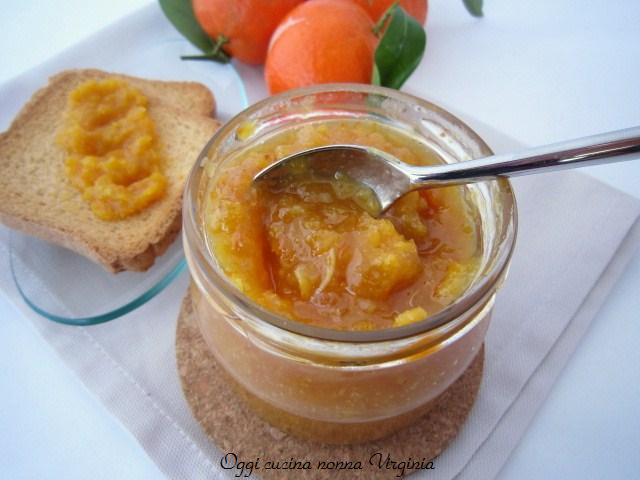 marmellata di mandarini con la buccia