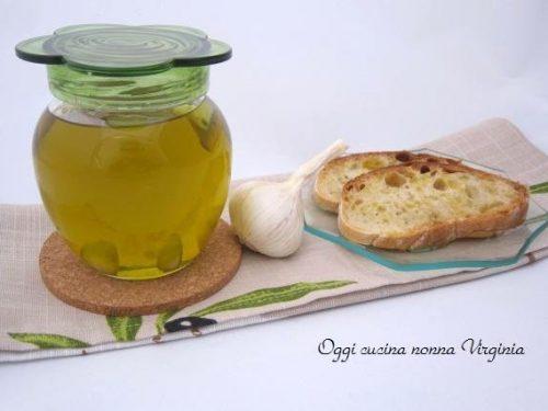 Olio aromatizzato con aglio,ricetta Verdure