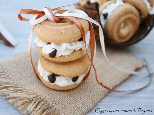 Gelati cocco e gocce di cioccolato